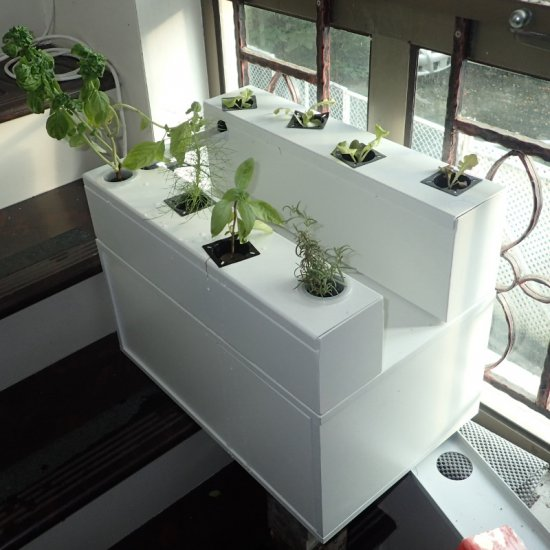 Bay window growing solution (assembled)